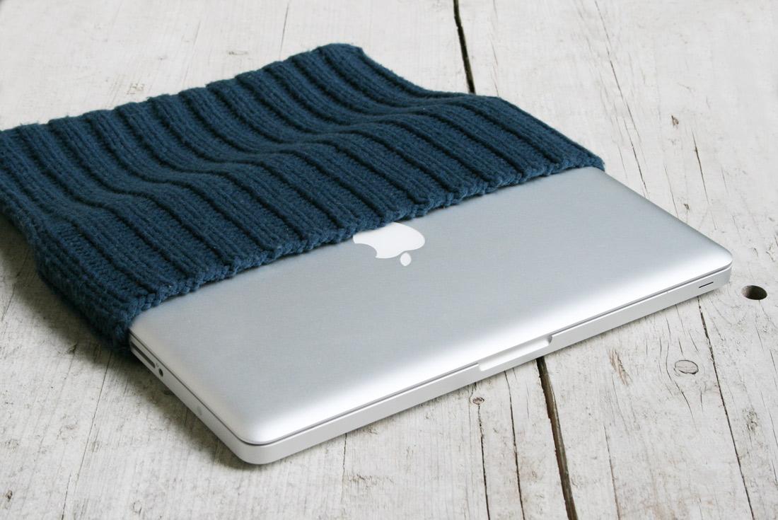 Laptophülle schön eng stricken