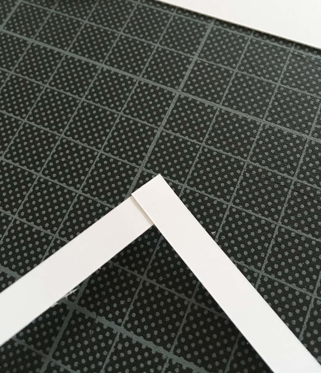 Papierstreifen im rechten Winkel zusammenkleben
