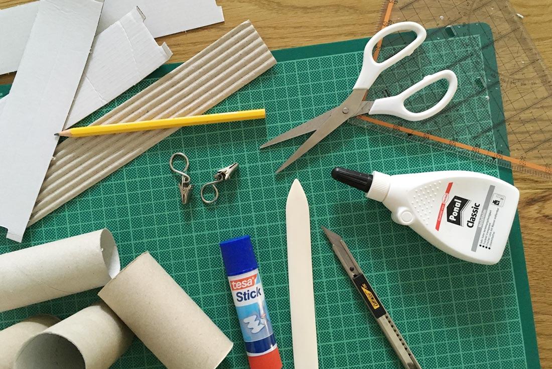 Material für Häuser aus Klopapierrollen