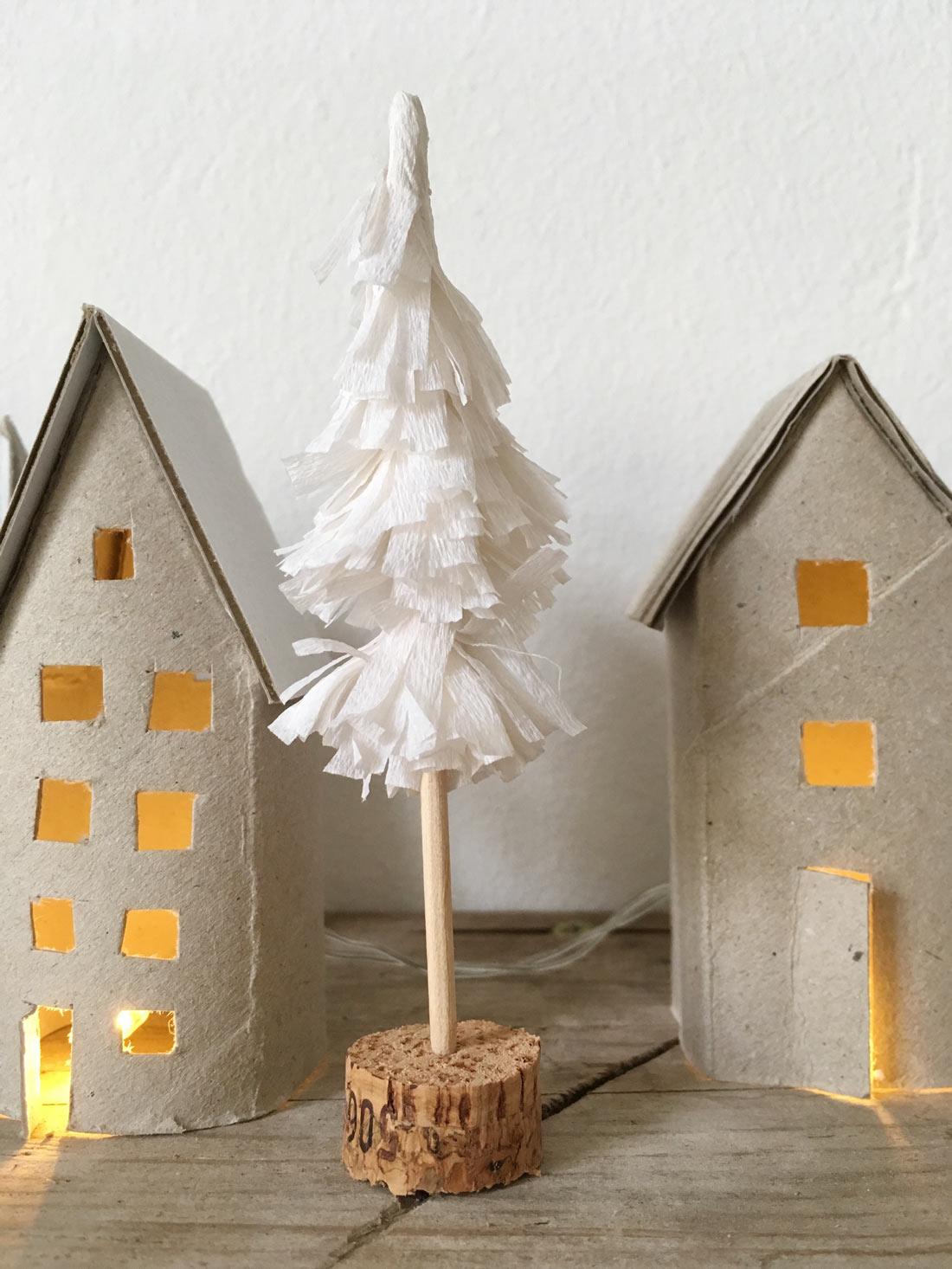 Tannenbaum aus Kreppapier