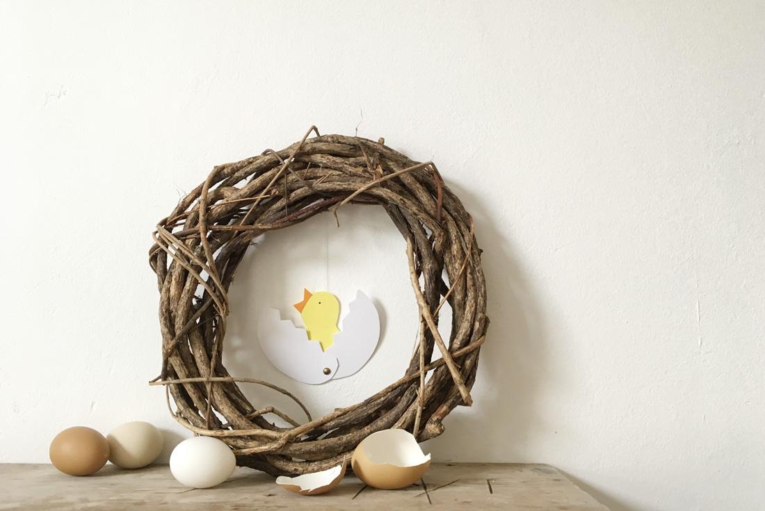Basteln mit Kindern, Küken aus Ei geschlüpft, mit echten Eierschalen