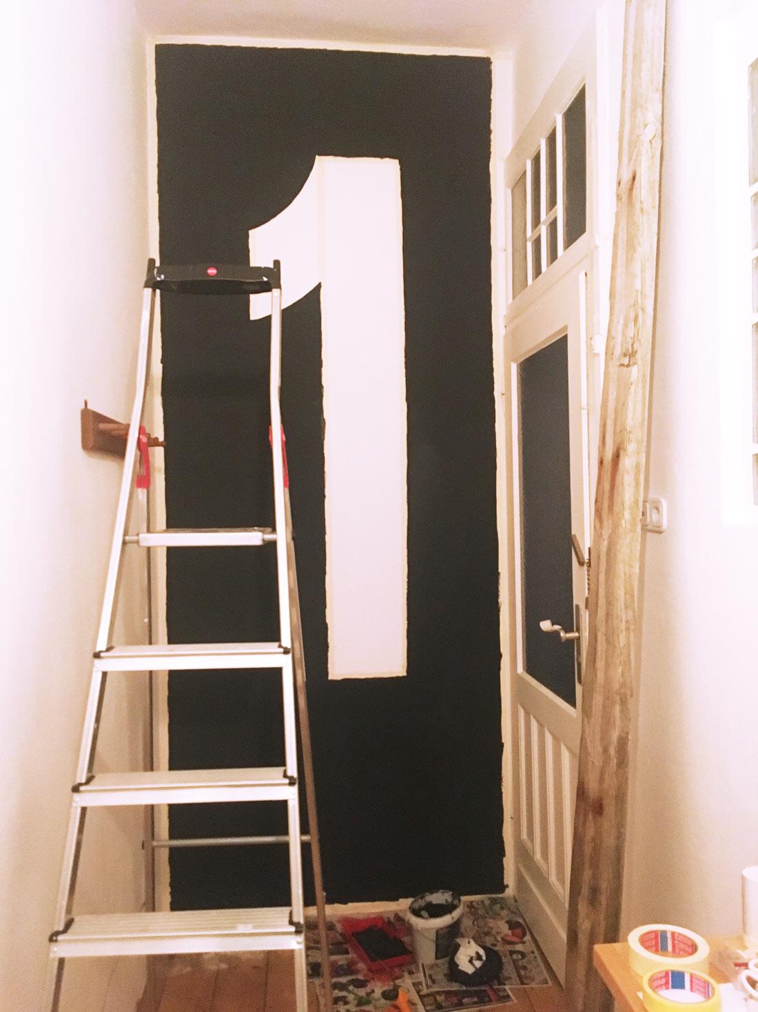 Wand fertig gestrichen
