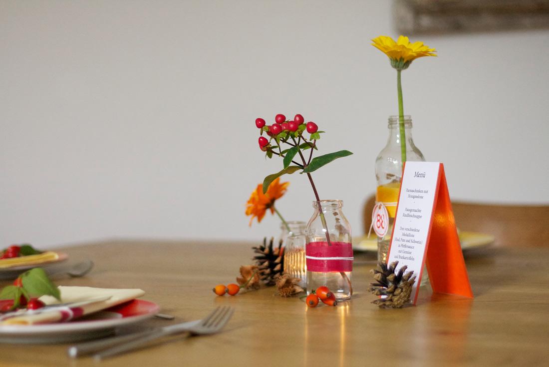 Schnell Und Gunstig Eine Tischdeko Zum Geburtstag Gebluemlich