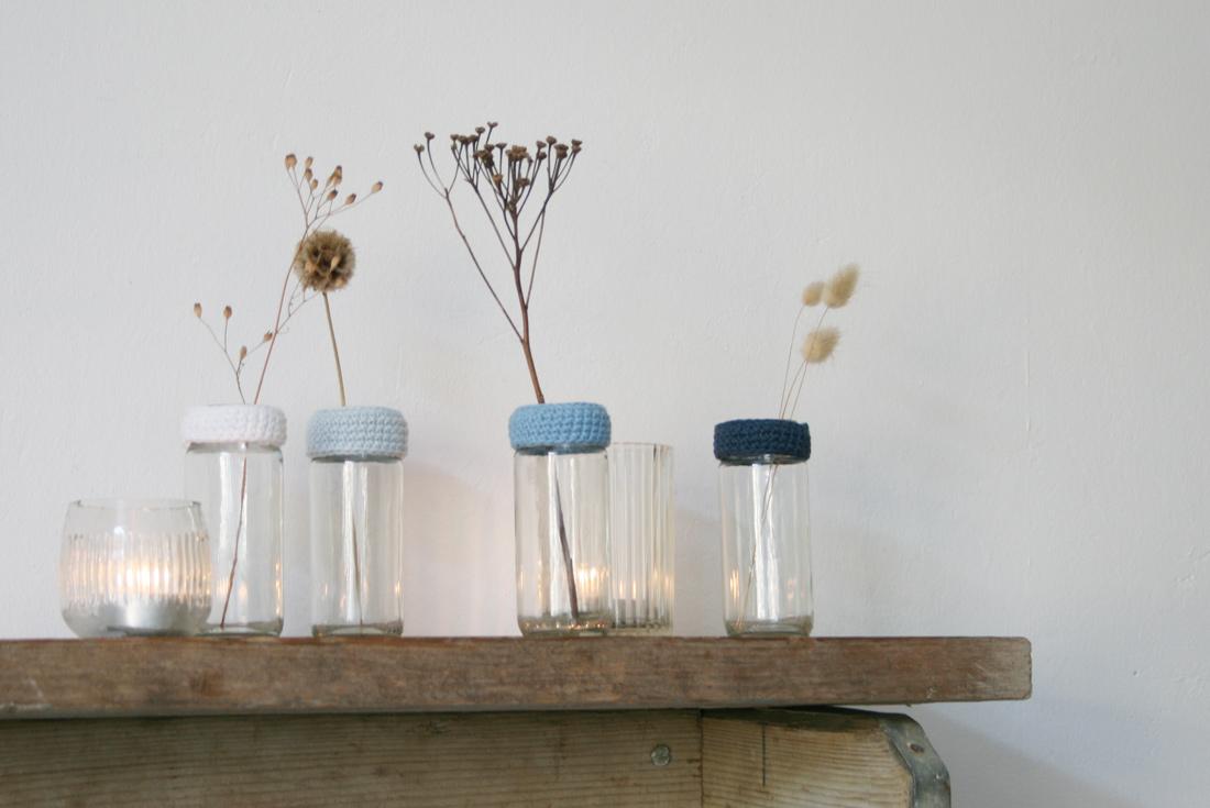 Stylische Vasen aus Altglas