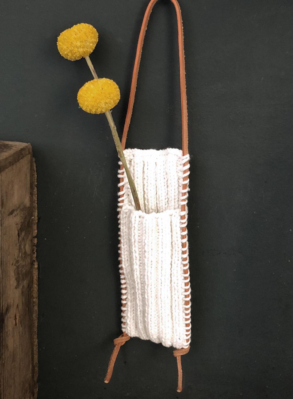 Gehaekelte Wand-Vase